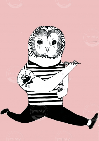 Chouette owl person playing darts